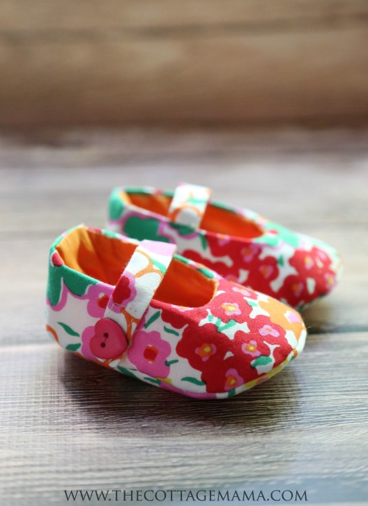 Mary Jane Baby Shoes Pattern - The Cottage Mama