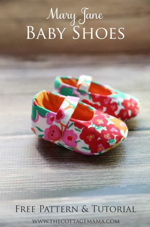 FREE Mary Jane Baby Shoe Pattern. Wouldn't these be SO cute as a baby shower gift?!? From The Cottage Mama blog.