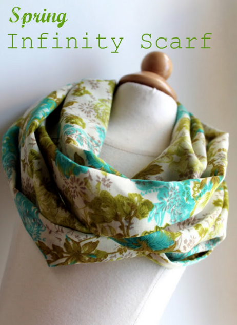 EASY Infinity Scarf Tutorial. Great gift idea. MUST try! From The Cottage Mama