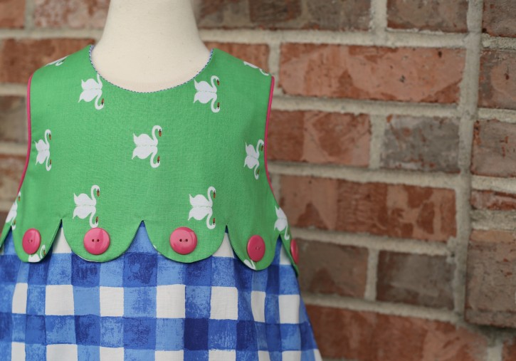 Check out this awesome Scallop Tutorial from The Cottage Mama!