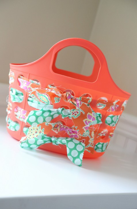 Fabric Woven Tote Tutorial. Dollar Store party craft idea from The Cottage Mama!!