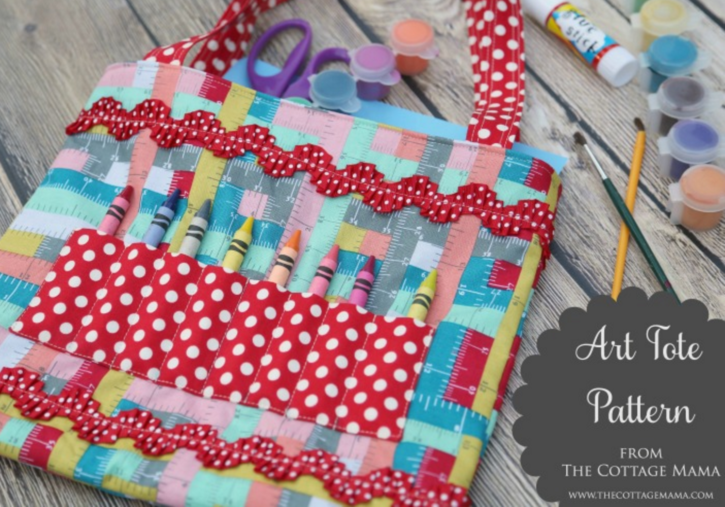 Art Tote Free Pattern by Lindsay Wilkes from The Cottage Mama. www.thecottagemama.com