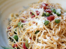 Angel Hair Pasta with Peas, Tomatoes and Garlic ~ Recipe