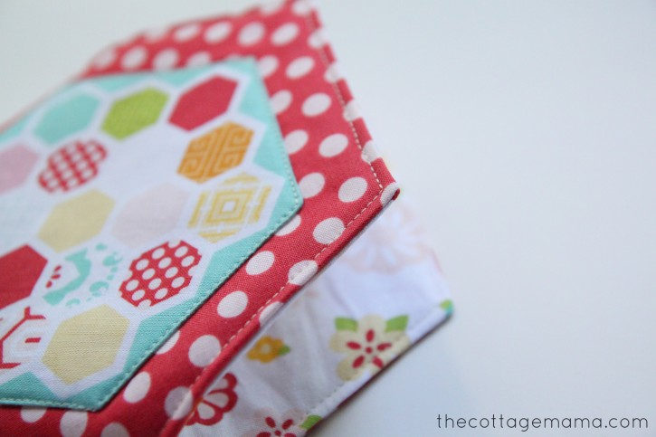 Hexi Pouch Sewing Tutorial. www.thecottagemama.com