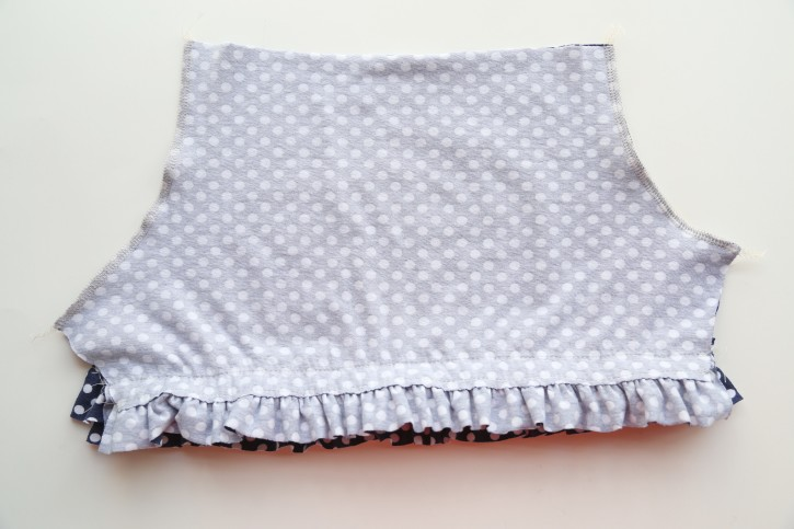 Ruffle Shorts Tutorial from The Cottage Mama.